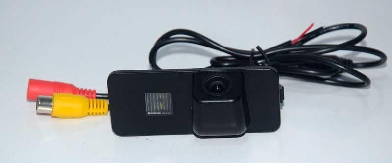 Камера заднего вида (под бок.защелки)CMOS High Quality VW - 2