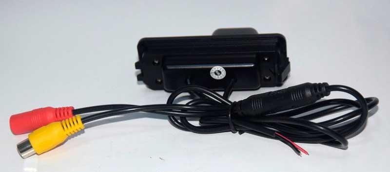 Камера заднего вида (под бок.защелки)CMOS High Quality VW - 3
