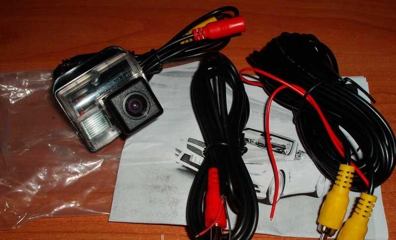 Камера заднего вида Mazda (белый пластик) - 2